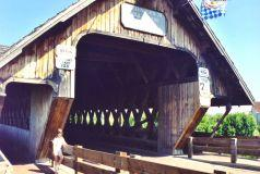 a_frankenmuth-coveredbridgeentrance.jpg